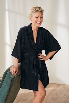 Emma Willis Velvet Wrap