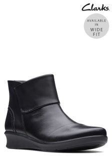 Clarks Black Leather Hope Track Comfort Ankle Boot