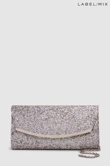 Сумка-клатч с фигурной застежкой