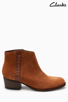 Clarks Tan Maypearl Fawn Western Ankle Boot