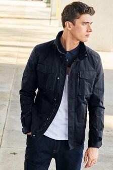 Leichte Jacke mit weitem Stehkragen