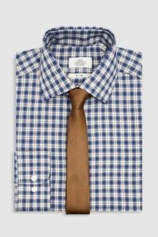 Ensemble cravate et chemise à carreaux