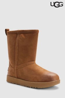 UGG® Classic wasserfester Stiefel aus Leder, kastanienbraun