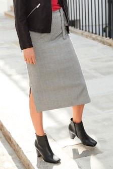 Строгая юбка с разрезом