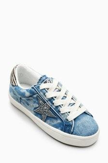 נעלי ספורט בגזרה נמוכה בדוגמת כוכבים (נוער)