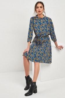 Платье миди с завязкой на талии