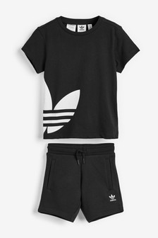 adidas Originals Little Kids Black T-Shirt And Shorts Set