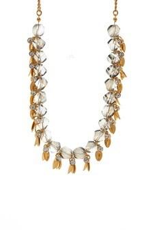 Auffallende Halskette mit Blüten