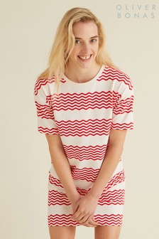 שמלת חולצת טי אדומה עם פסים גליים של Oliver Bonas