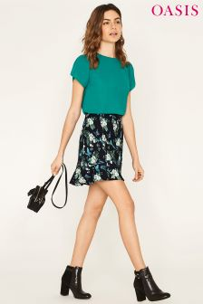 Oasis Black Orchid Print Flute Hem Skirt