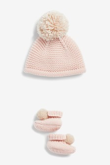 Knitted Hat and Bootie Set (Younger)
