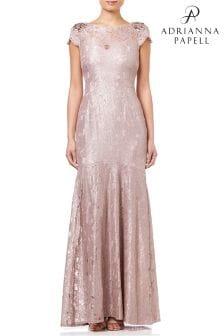 Длинное кружевное платье с серебристой отделкой металлик Adrianna Papell