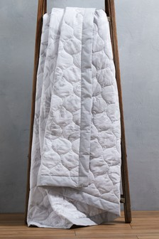 Pretty Floral Quilted Throw