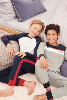Набор пижамных комплектов в спортивном стиле (2 компл.) (3-16 лет)