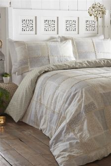 Appletree Surat Bed Set