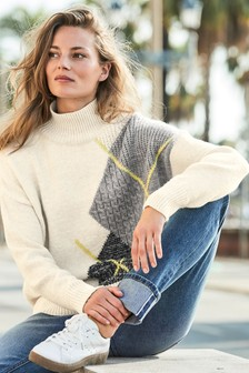 Argyle Pattern Funnel Neck Sweater