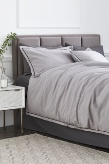Textured Jacquard Duvet Cover and Pillowcase Set