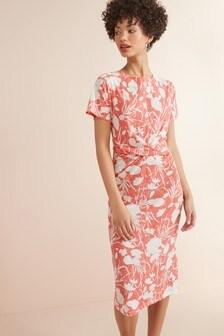 שמלה עם עיטור טוויסט