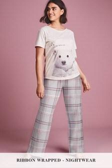 Pyjamas With Ribbon Wrapping