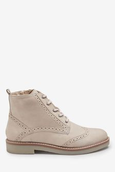 Forever Comfort Brogue Lace-Ups