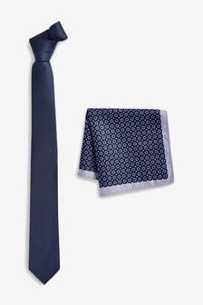 Tie With Geometric Pocket Square