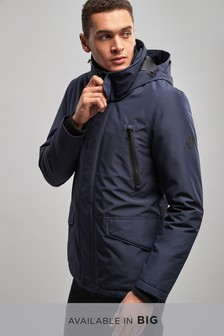 Куртка с толстым утеплителем и капюшоном