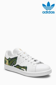 adidas Originals Stan Smith mit Blätterprint, weiß