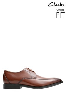 Clarks Wide Fit Tan Gilman Mode Shoe