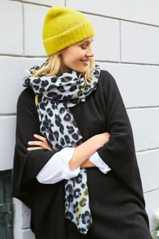 Leopard Midweight Scarf