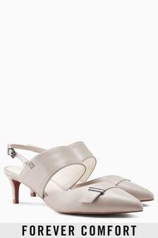 Туфли на каблуке-рюмочке с металлической фурнитурой