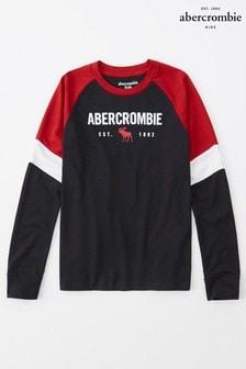 Czarna koszulkaAbercrombie & Fitch z raglanowym rękawem i nadrukiem