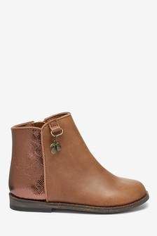 Charm Chelsea Boots (Younger)