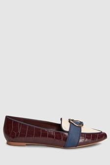 Circle Hardware Point Loafers
