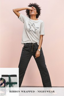 Pijamas de estrellas con cinta para ajustar