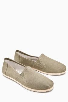 حذاء قماش سهل اللبس