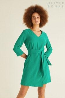 שמלה עם מכפלת צדפה בירוק של Oliver Bonas