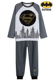 פיג'מה דו צדדית עם פאייטים של באטמן®/סופרמן® (גילאי 3 עד 12)