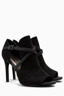Boots à brides croisées