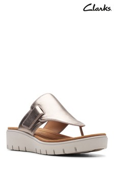 Clarks Gold Un Karely Sea Sandal