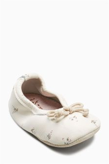 Ballet Pram Shoes (Younger)