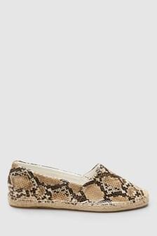 34c8009181b1 Buy Women's footwear Footwear Slipon Slipon Animal Animal Trainers ...