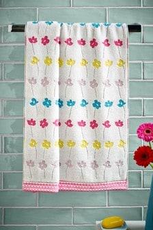 Ręcznik w motywy kwiatowe