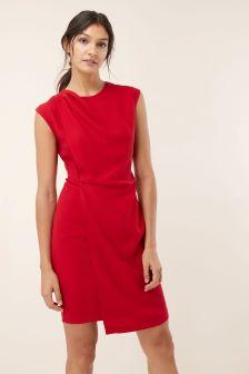 Платье с драпировкой спереди