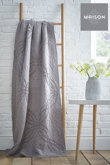 Maison Ruffle Washed Throw