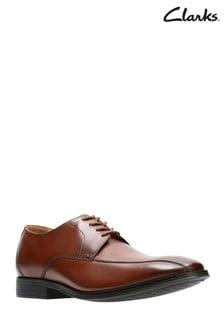 Clarks Tan Gilman Mode Shoe