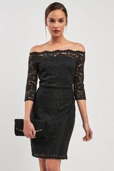 שמלת בודיקון בגזרת בארדו בקישוט תחרה