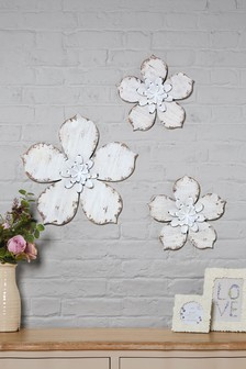 Set of 3 Wooden Flower Plaques