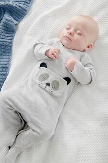 Babypyjama van sweaterstof met pandafiguurtjes (0 mnd-2 jr)