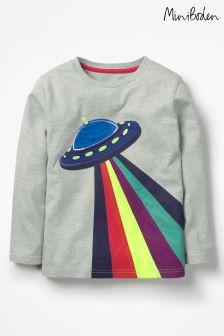 חולצת טי עם אפליקציה של Boden דגם Space באפור בהיר