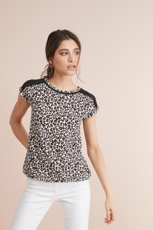 b18ea1f8e6ae0 Animal Print Tops